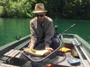 Pêche à la mouche au lac Pavin, guide de pêche à la mouche auvergne france
